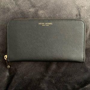 henri bendel Black Leather West 57th Wallet